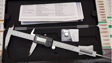 Picture of Digital Caliper with Tolerance Function